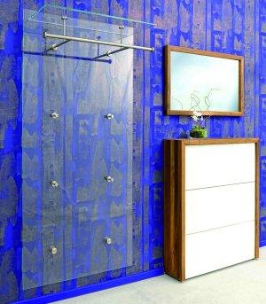 klarglas wandgarderobe moderne wandgarderobe aus bruchfestem klarglas und edelstahl. Black Bedroom Furniture Sets. Home Design Ideas