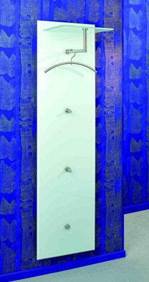 Wandgarderobe Glas Satiniert.Wandgarderobe An Einer Eleganten Glaspaneele Aus Robustem
