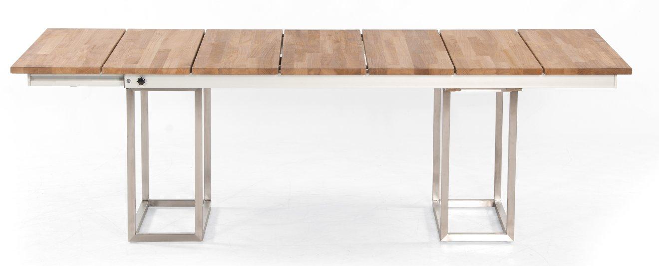 ausziehbarer Outdoor-Tisch mit einem robustem Edelstahl-Tischgestell ...