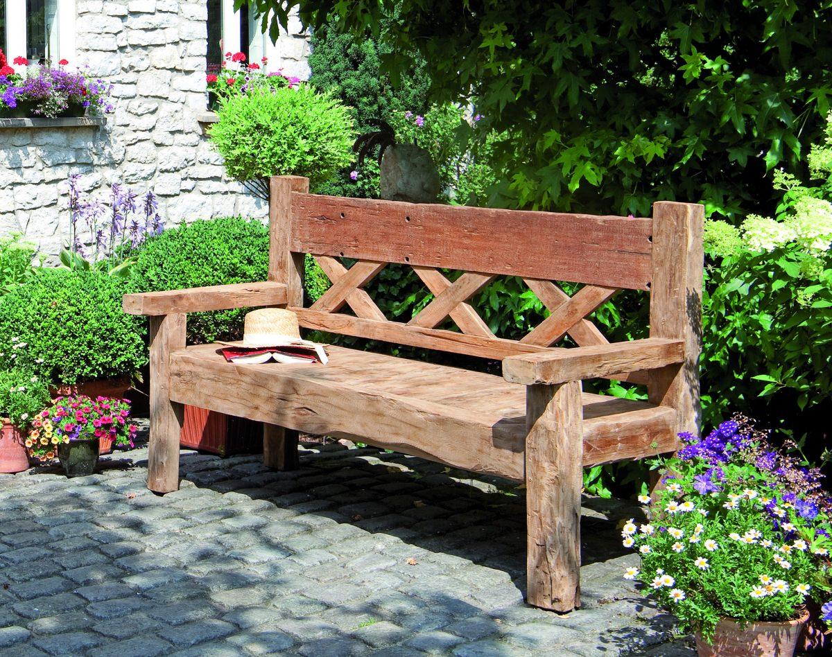 rustikale, in Handarbeit hergestellte Teakholz-Gartenbank \