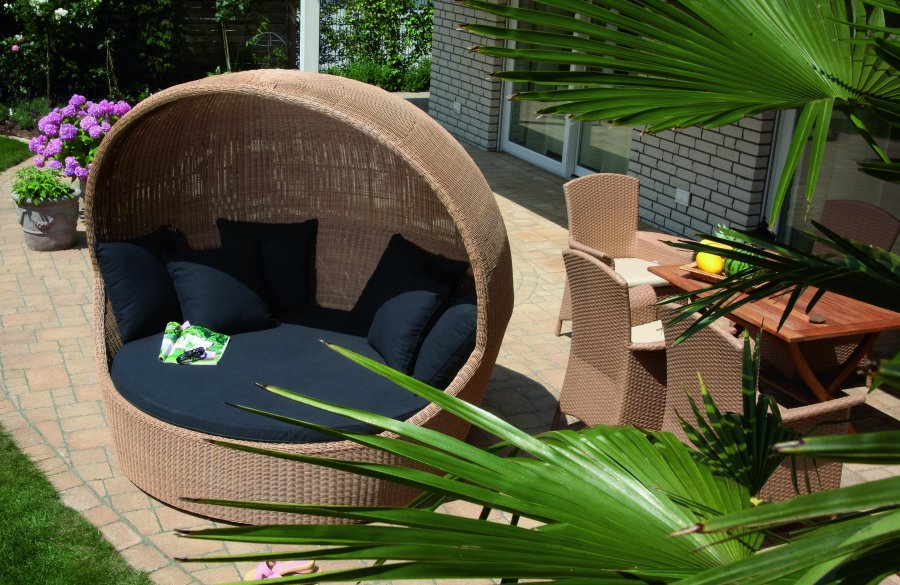 Abbildung: sehr bequeme Garten-Liegemuschel im sehr hochwertigen ...