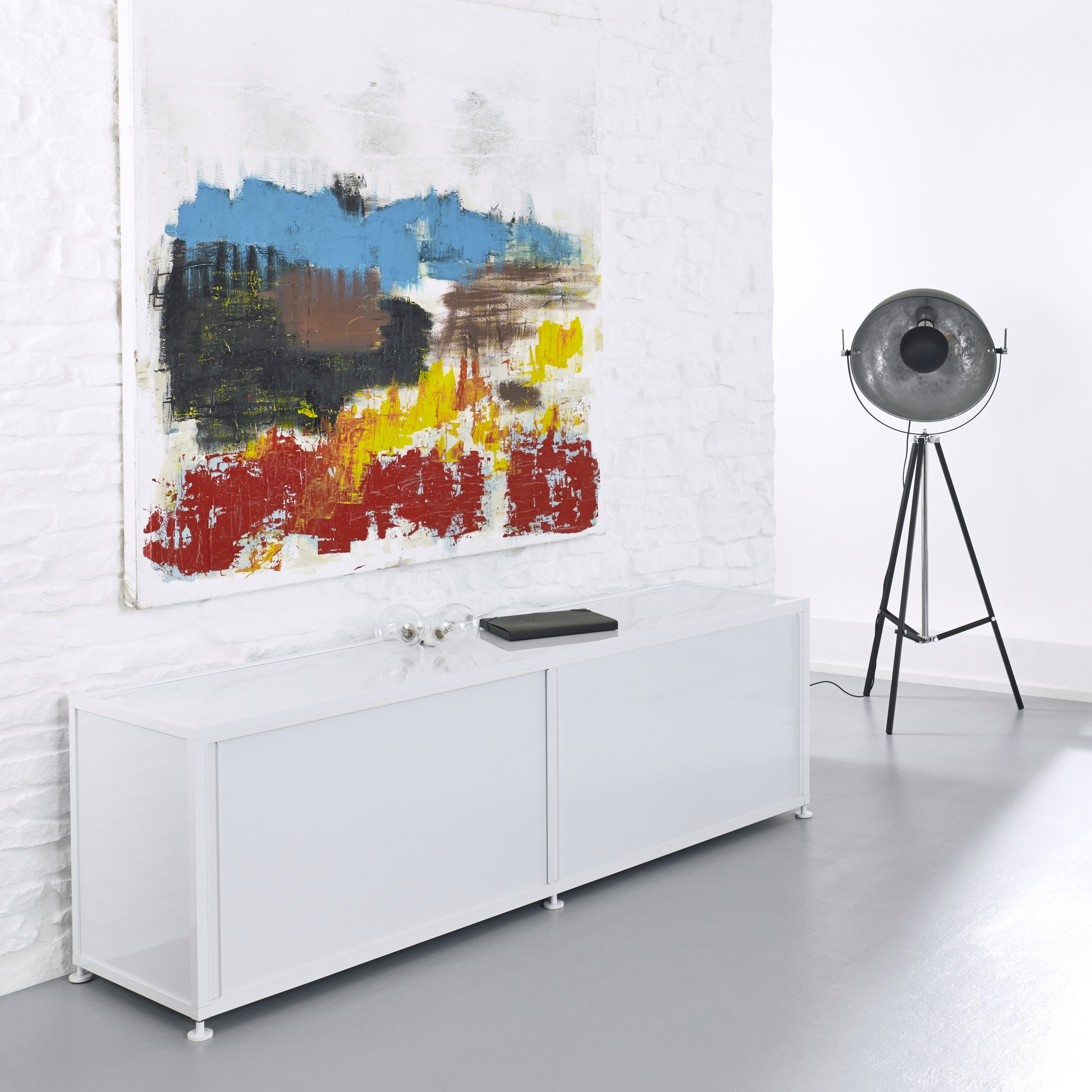 Weisses Buro Sideboard Schiebeturen Abschliessbar