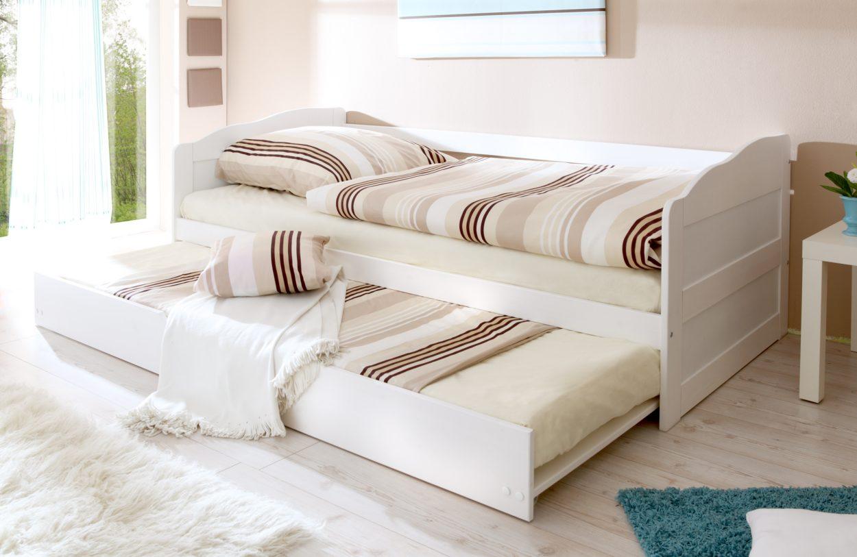 Sehr Bequemes Und Ausziehbares Sofabett Aus Massivem Kiefernholz