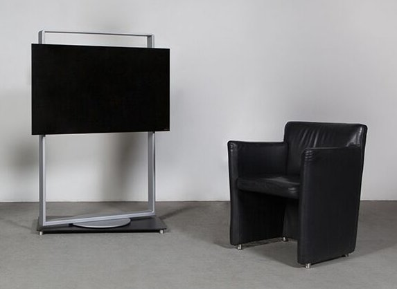 drehbarer 75 zoll fernseher standfu aus massivem stahl. Black Bedroom Furniture Sets. Home Design Ideas